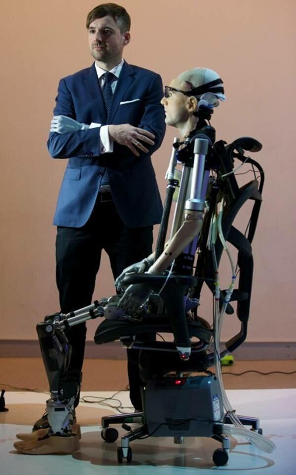 первый в мире искусственный человек