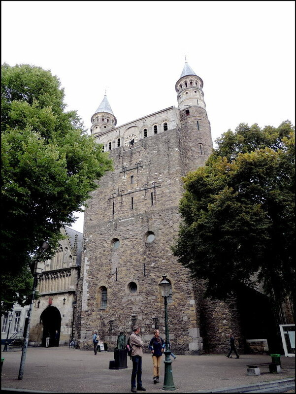 Maastricht 7364 Basiliek van Onze-Lieve-Vrouw-Tenhemelopneming.JPG