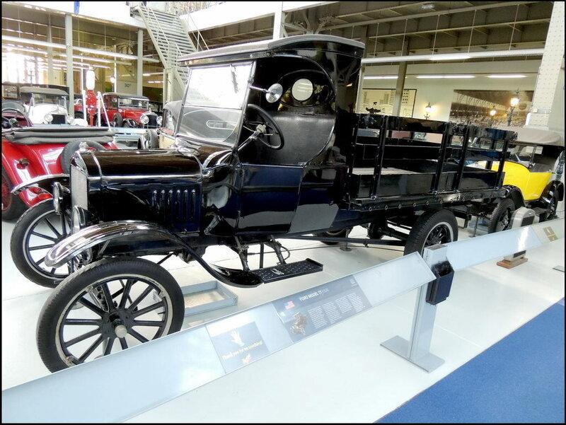 Autoworld 8025 Ford Model TT 1926