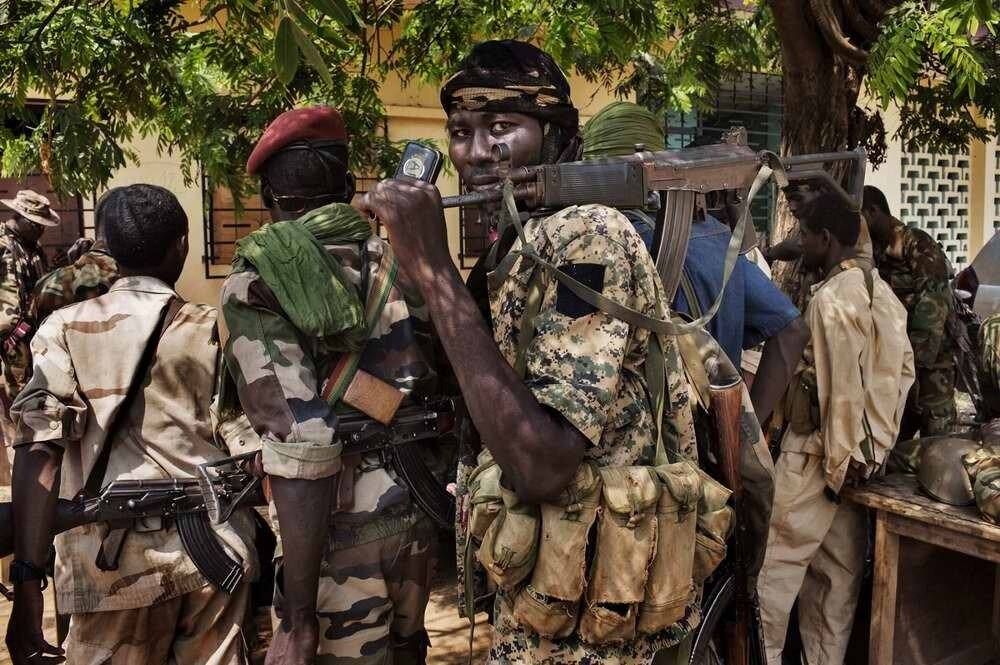 Бойцы мусульманской Seleka в момент их сбора в своем лагере в Босангое