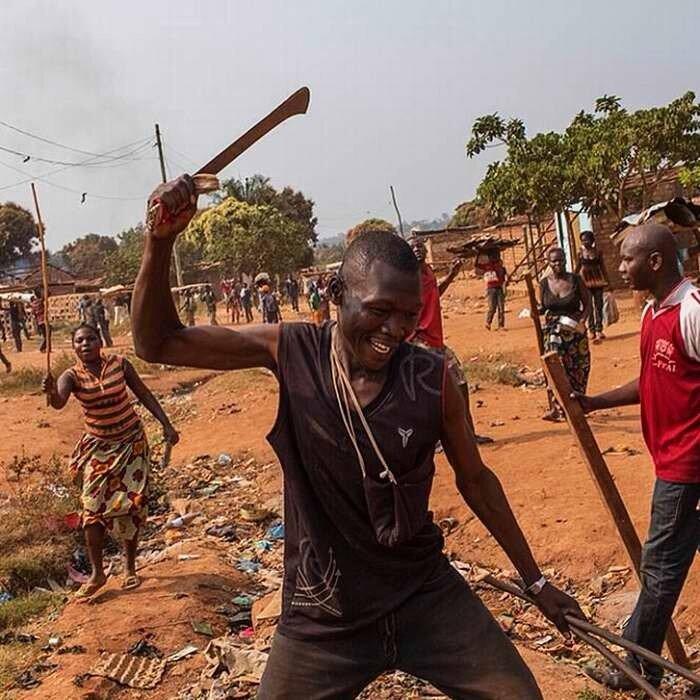 Погромы на улицах столицы Центрально-Африканской республики города Банги (1)