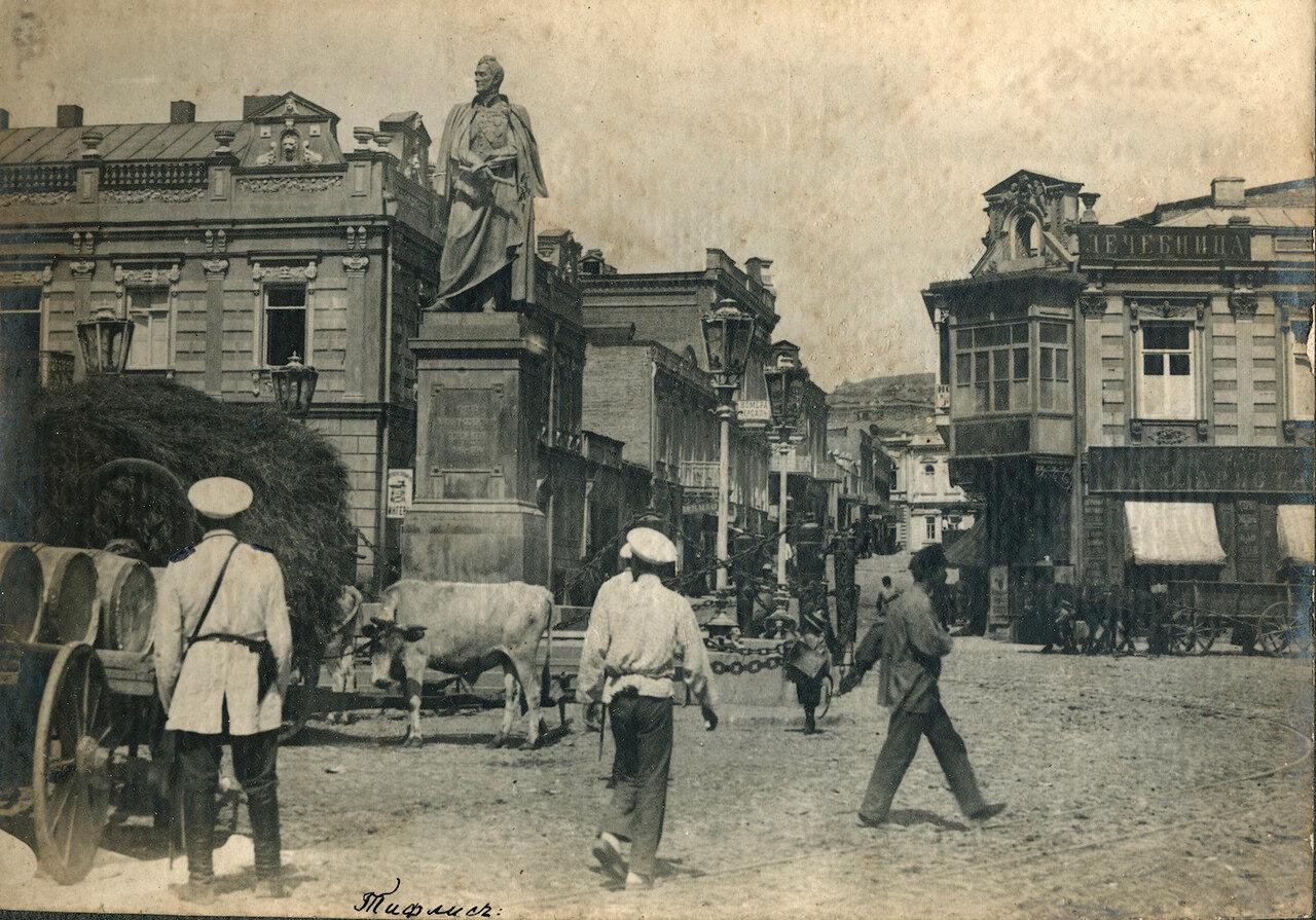 Год от 1897 до 1910. Тифлис. Памятник князю Воронцову