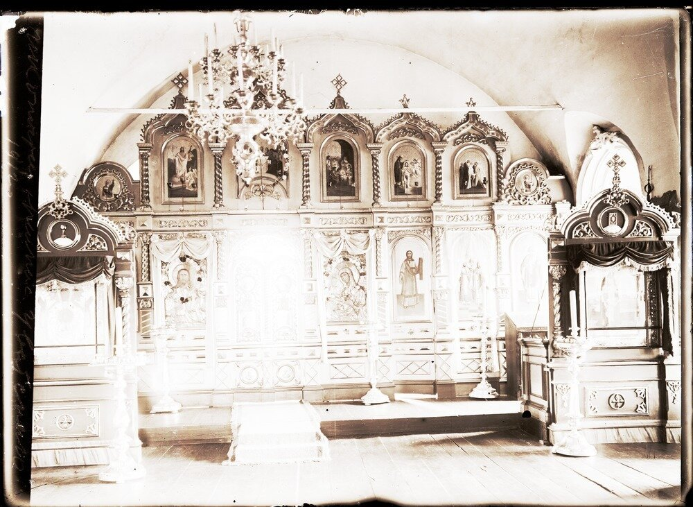 1912. Село Уват. Иконостас храма
