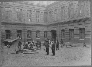 14. Внутренний двор главного корпуса