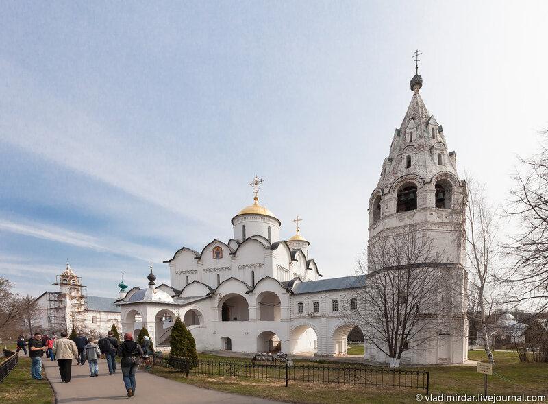 Покровский собор в Свято-Покровском монастыре в Суздале