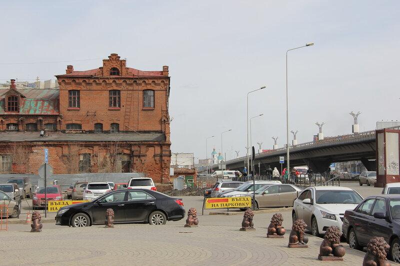 Здание пивоваренного завода на улице Волочаевской