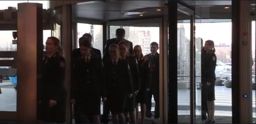 Флэшмоб молдавской полиции в рамках борьбы с коррупцией