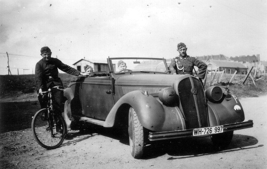 1941-1944 205