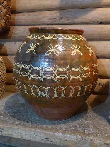 корчага из экспозиции музея тверского быта (г.Тверь)