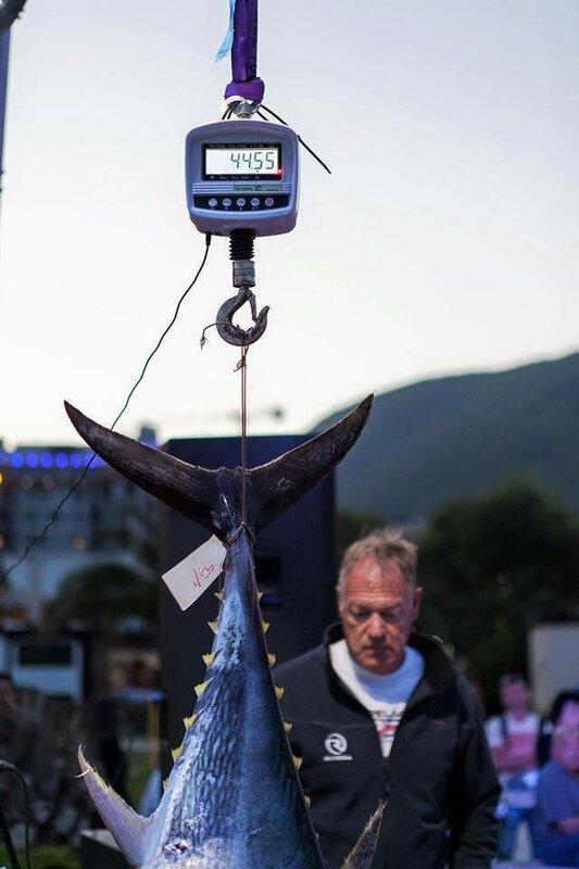 Соревнования по рыбалке на тунца в Будве