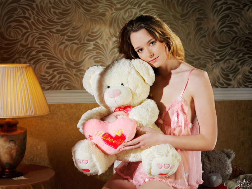 девушка с мишкой