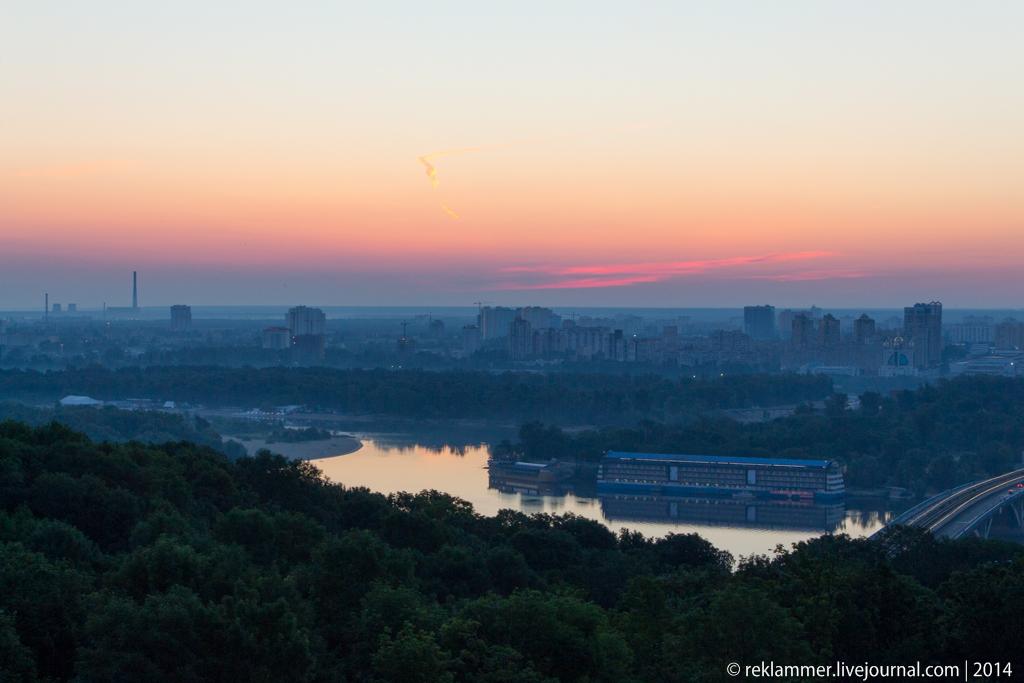 Киев на рассвете