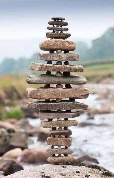 Примеры невероятного баланса, который нарушает все законы физики!