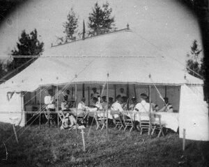 Группа офицеров Конно-гренадерского полка в палатке.