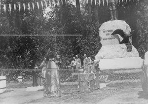 Богослужение по случаю  открытия памятника шефу полка , великому князю Михаилу Николаевичу.