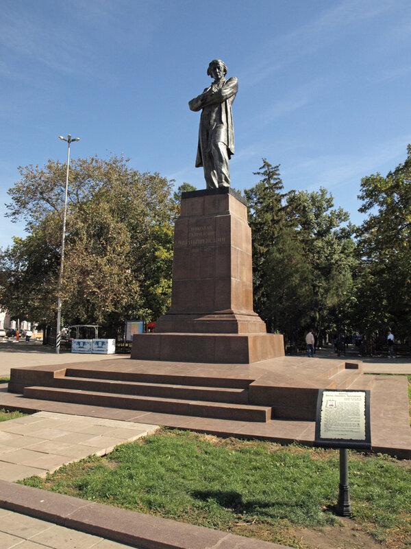 Подбор памятников Кирсанов Эконом памятник Арка с резным профилем Боровск