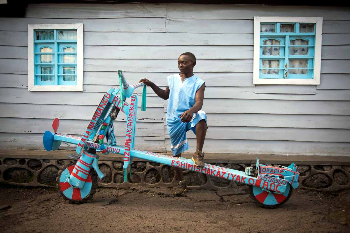 Демократическая Республика Конго - Участники соревнований на грузовых самокатах (5)