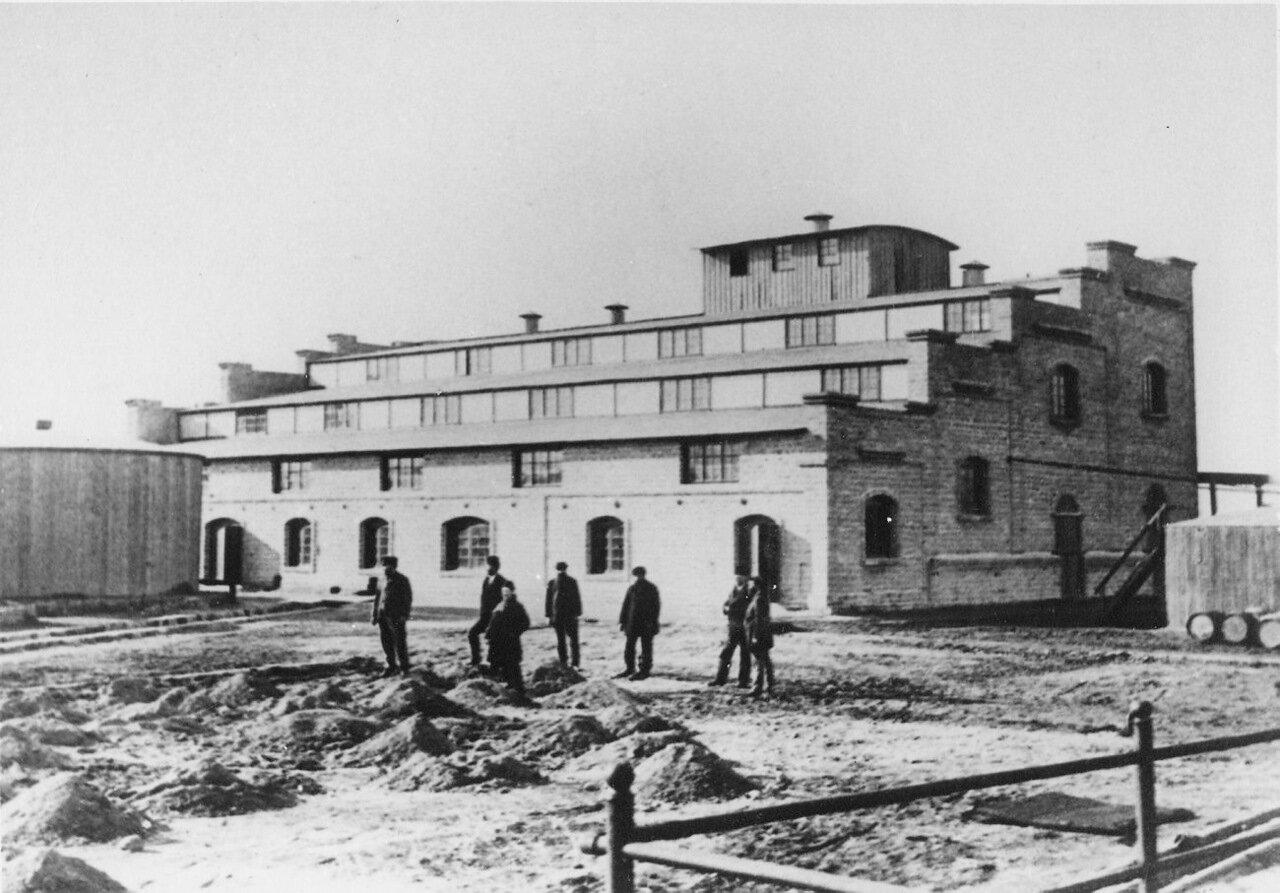 На заводе Нобеля, Баку