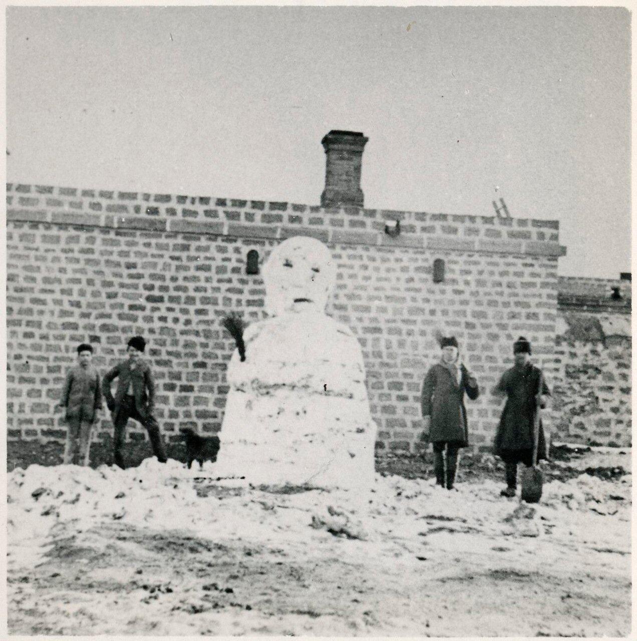 Снеговик на «Вилла Петролеа»