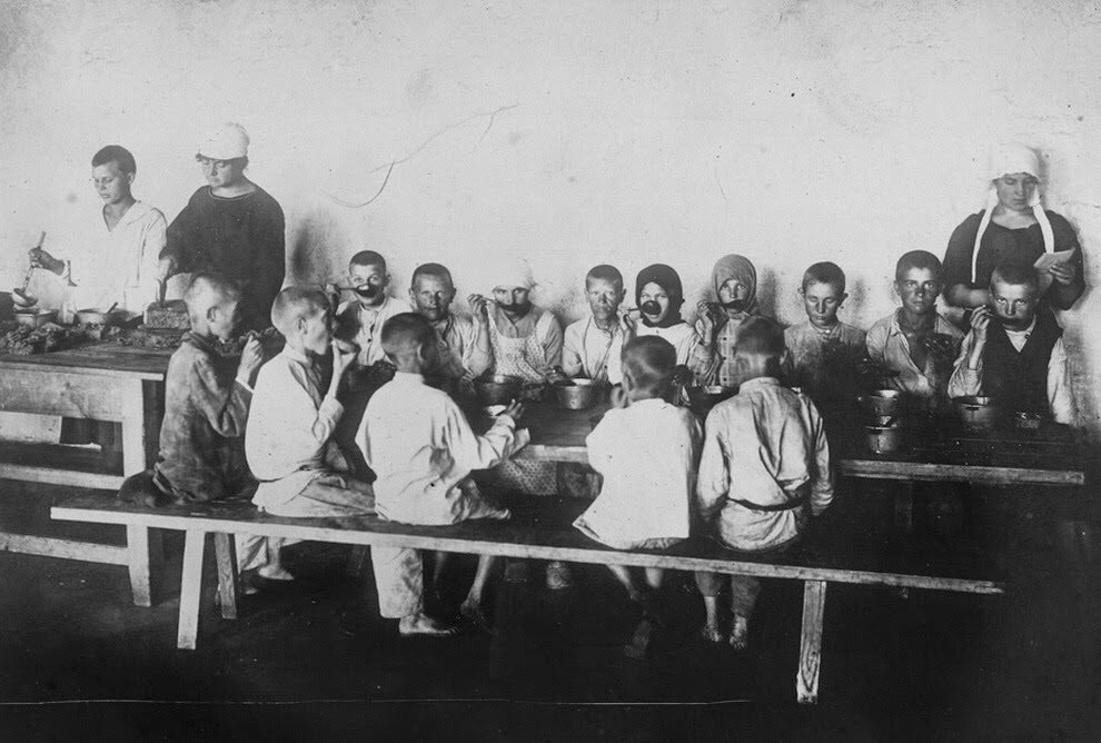 1921. Борьба с голодом и беспризорностью. Поволжье