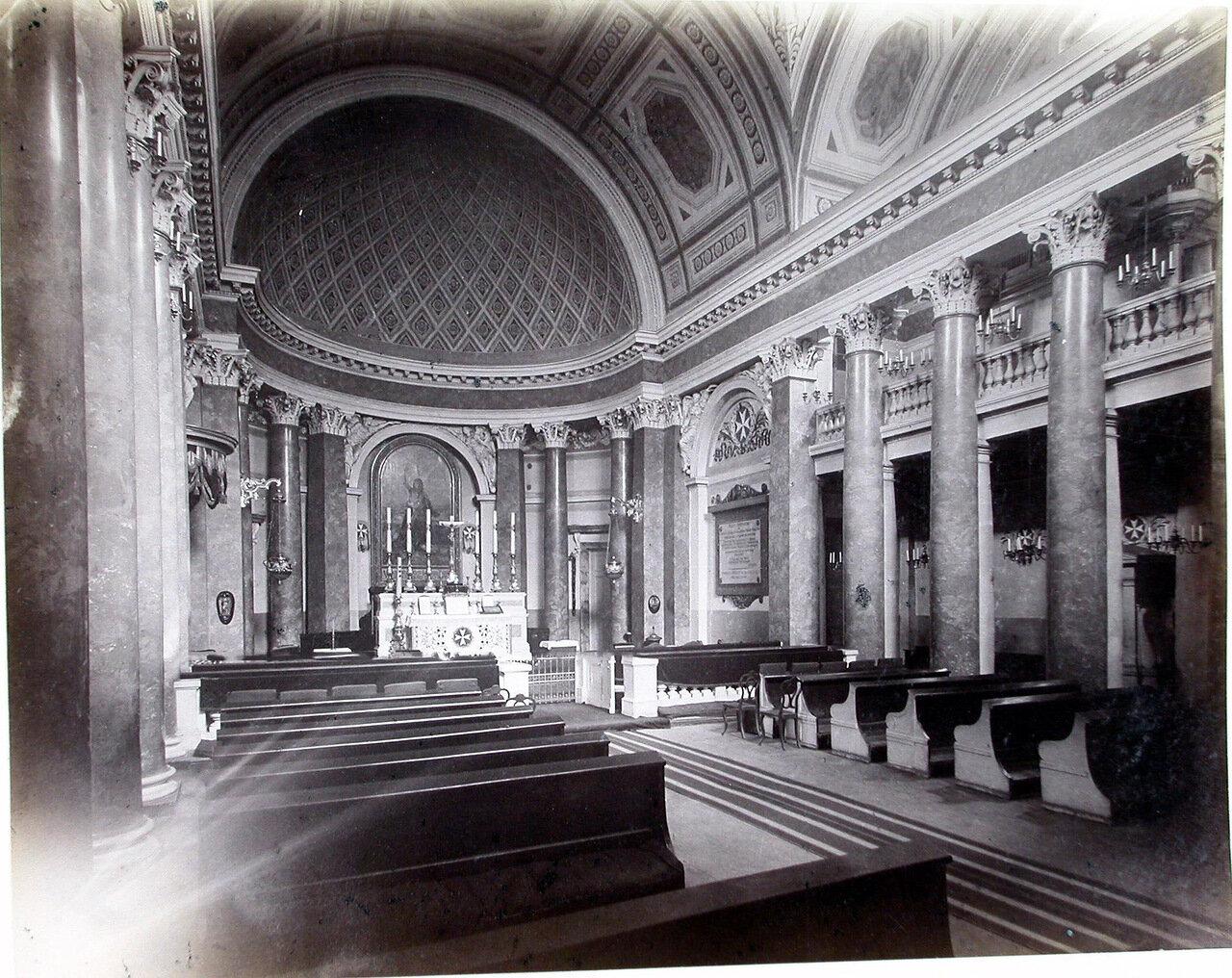 24. Внутренний вид Мальтийской католической церкви