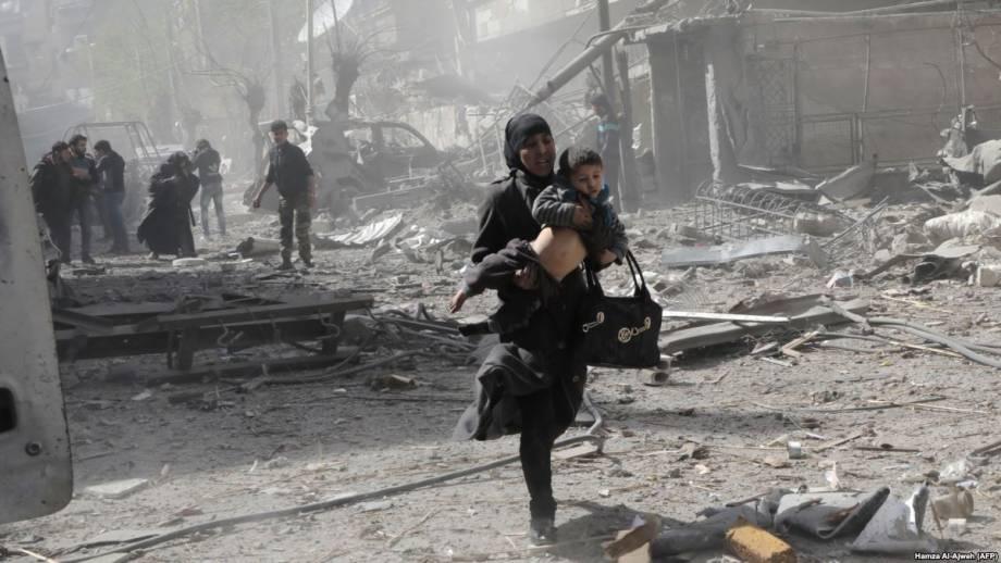 Сирийские войска усиливают удары по контролируемому повстанцами городу – правозащитники