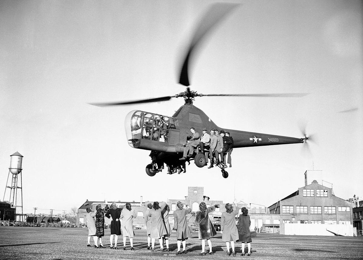 Давайте к нам, девчонки!: На вертолетных испытаниях (1946 год)