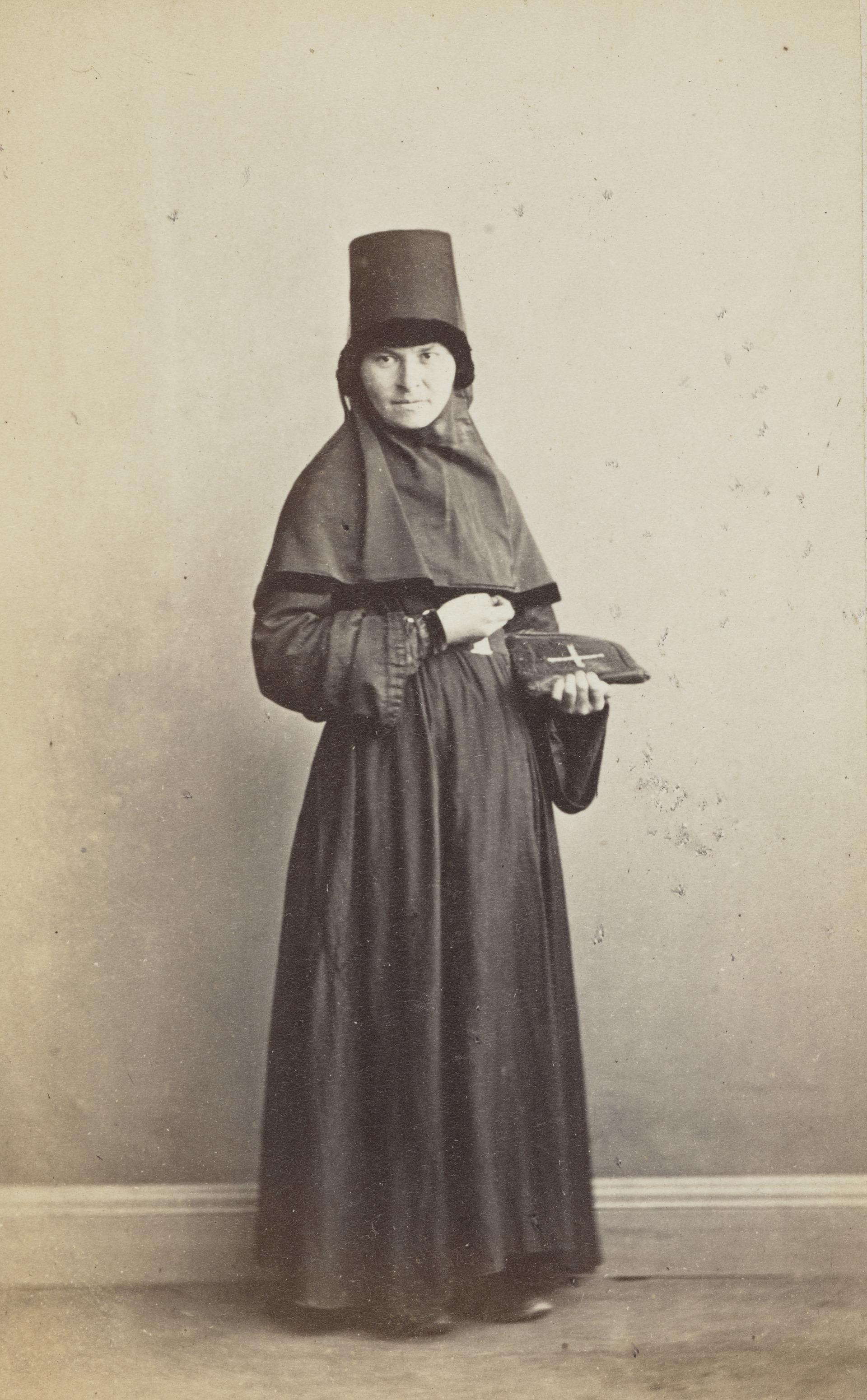 Православная монахиня