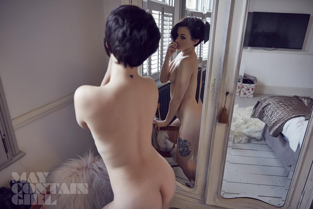 Меллиса Кларк в откровенной фотосессии