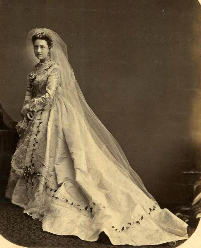 0 1844f8 b7bf2efb orig - Свадебные фотографии позапрошлого века