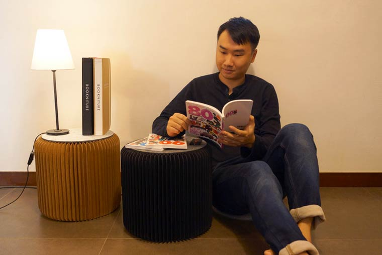 Bookniture – A stool that fits in your library