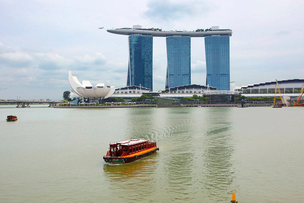 Отель с небесным бассейном в Сингапуре