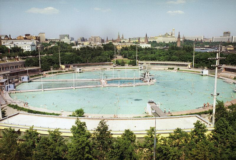 1975 Бассейн Москва. Борис Елин, РИА.jpg