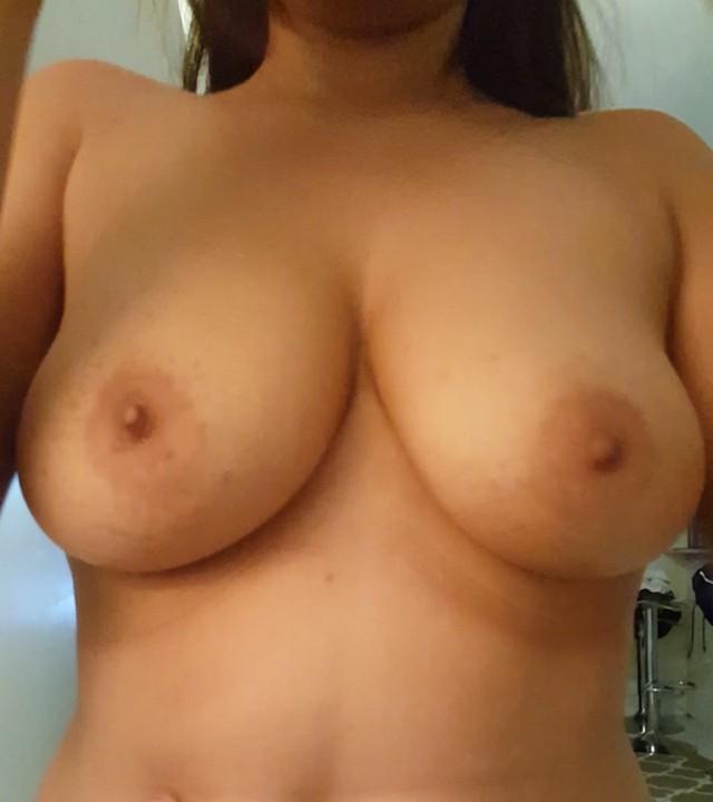 Сисястые дамы (18+)