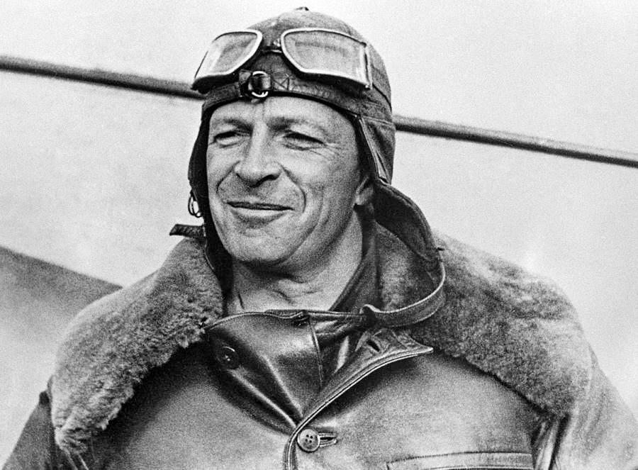 mikhail-gromov-soviet-transpolar-pilot-ria-novosti.jpg