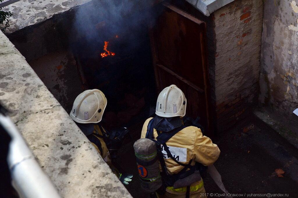ЧП в Севастополе. Пожар на Балаклавской, 3