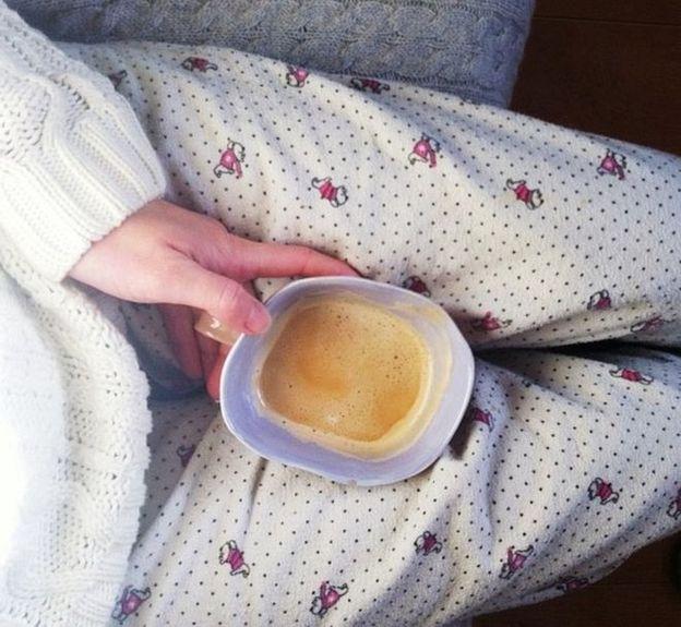 """""""Мне очень нужны эти два часа, кофе и потолок - чтобы прийти в себя"""""""