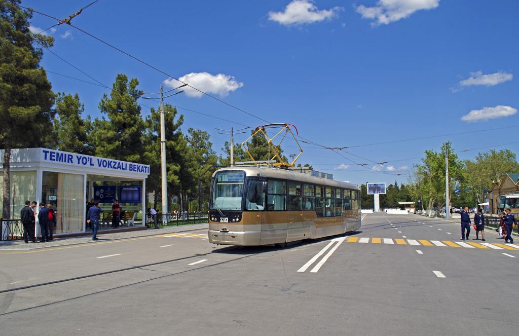 Трамвай в Самарканде