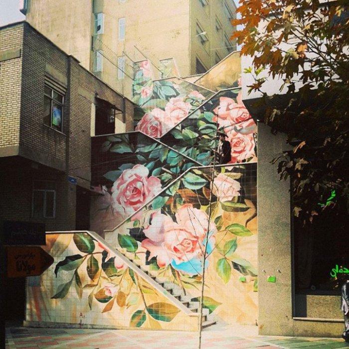 14. Лестница в розах (Иран) Стрит арт в Тегеране.