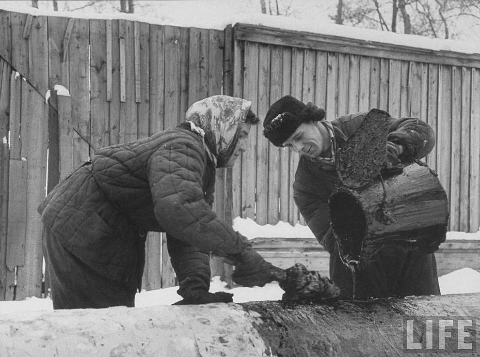 1959 год, заливка труб варом.