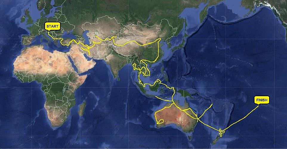 Автостопом по планете: женщина в одиночку проехала 70 тысяч километров почти бесплатно (14 фото)