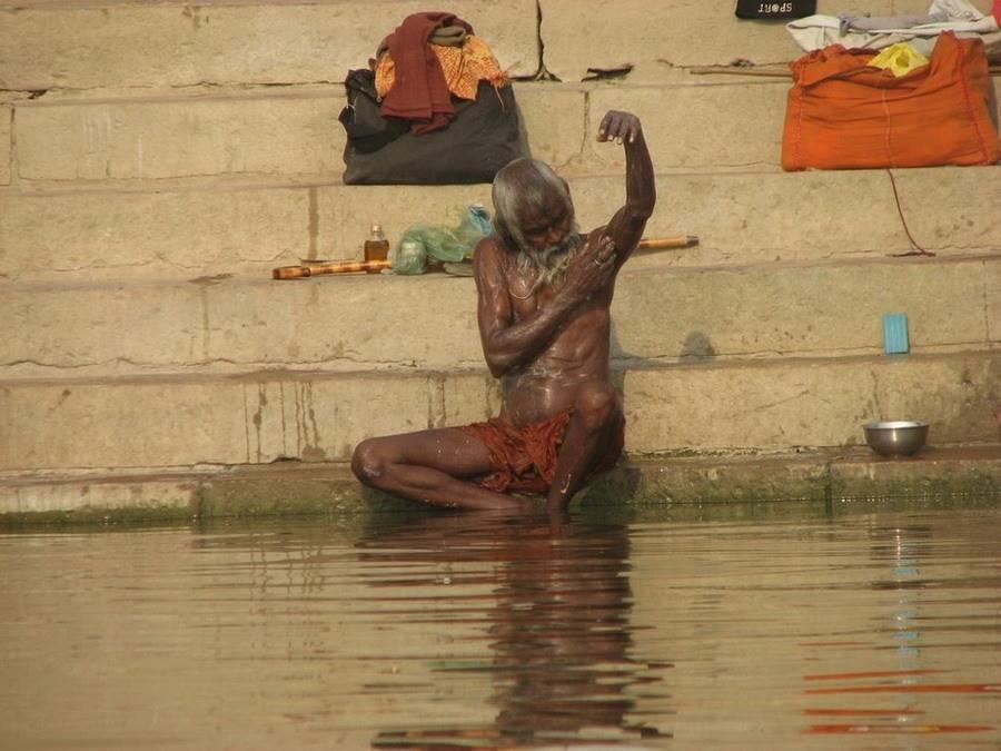Священная река ГАНГ (не для слабонервных) (21 фото)