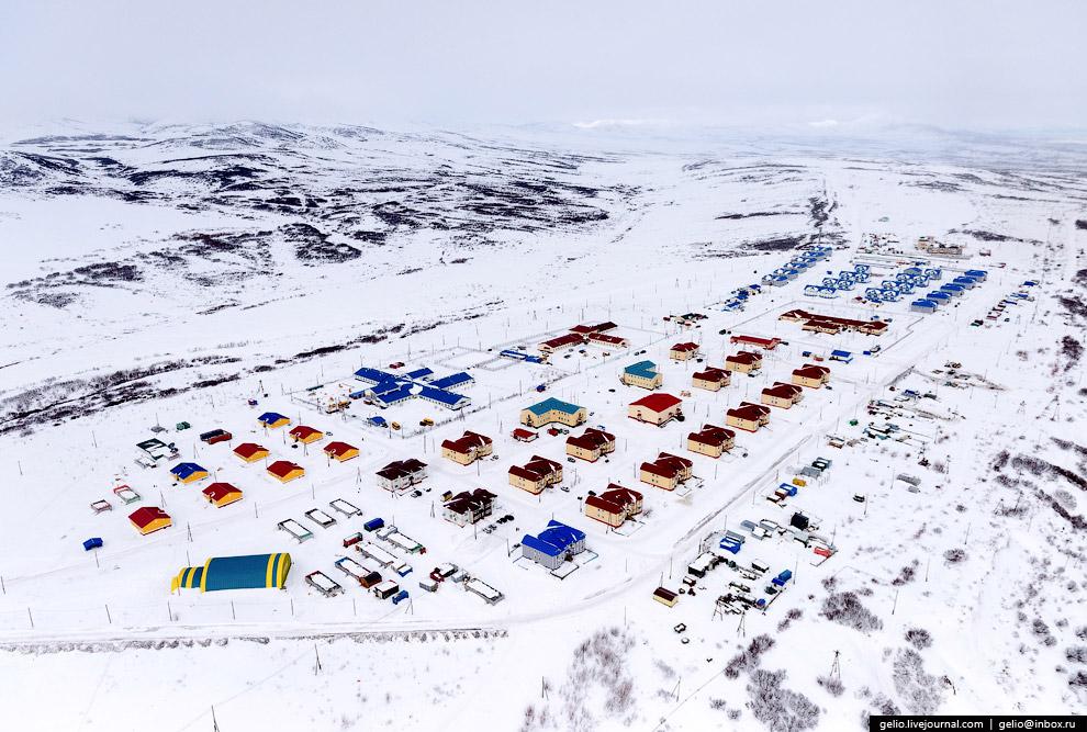 12. Численность населения Камчатского края составляет 315 000 человек. Из них 58 % проживают в