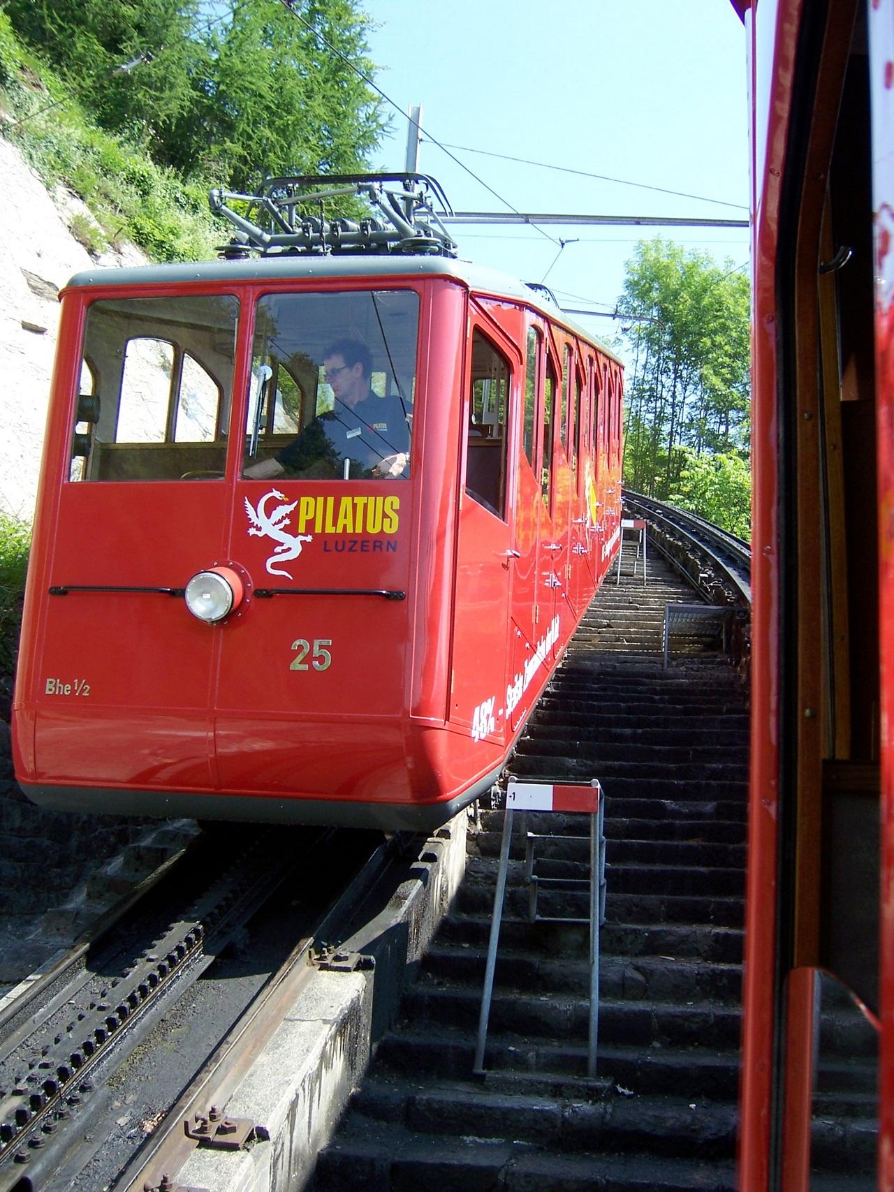 Пилатусбан — самая крутая железная дорога в мире