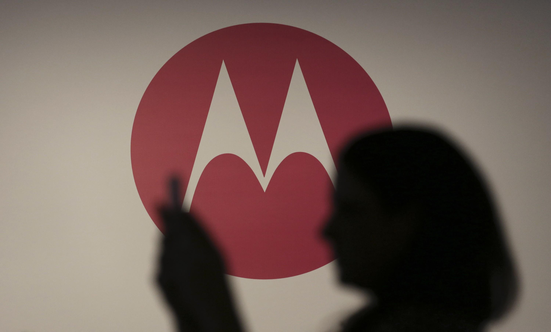 Первые фото прототипа Moto X (2017) попали вСеть