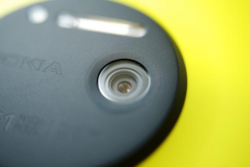 Отмененный смартфон нокиа RX-100 предстал нафото