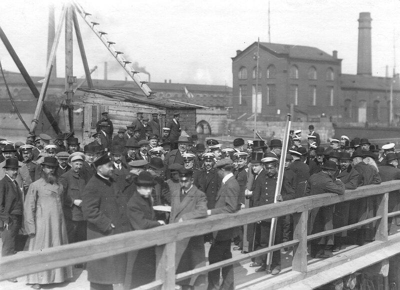 Депутаты Четвертой Государственной думы в Кронштадте. 5 мая 1913 г.