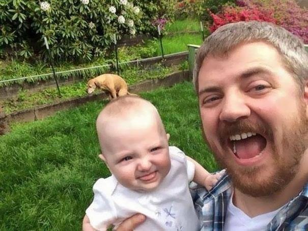А ведь могло бы получиться хорошее фото отца с сыном