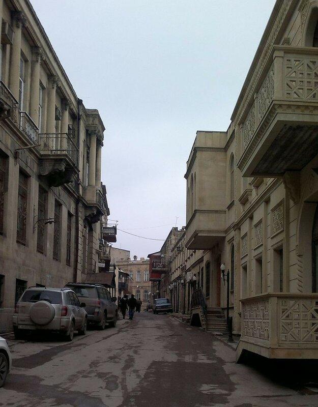 800px-Boyuk_Gala_Street.jpg