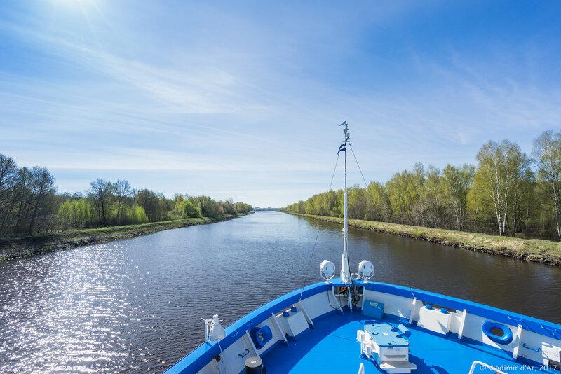 Московский круизный речной лайнер Княжна Анастасия
